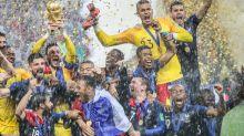 Franck Gastambide, Evangeline Lilly, Philippe Lacheau, Dwayne Johnson : quand la planète cinéma devient planète football... et planète Bleus