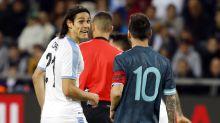 """Cavani relembra detalhes de briga feia com Messi: """"Sou muito estourado"""""""
