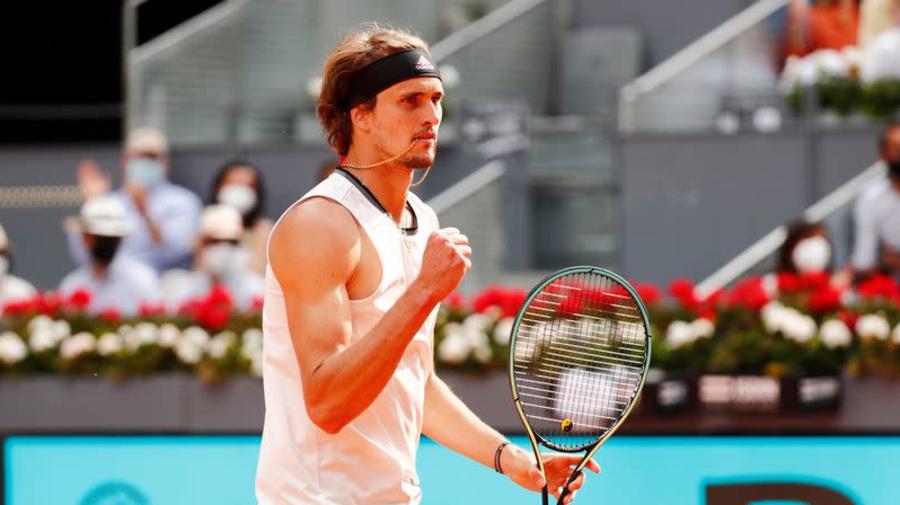 Tennis-Zverev puts on Madrid masterclass to book Berrettini clash in final