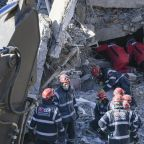 Turkish rescuers find last quake victims as death toll hits 41