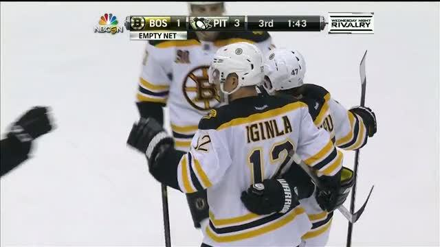 Jarome Iginla scores on a slap shot