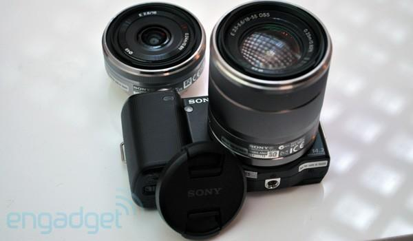 Sony releases specifications for E-mount lenses, desperately wants you to build some