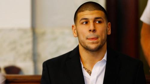 Ex-jogador do New England Patriots é encontrado morto em prisão