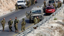 Palestinian who stabbed Israeli soldier shot dead: army