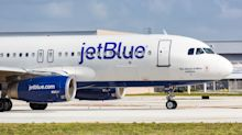 JetBlue Up, Alaska Air Down after JPM Rating Change