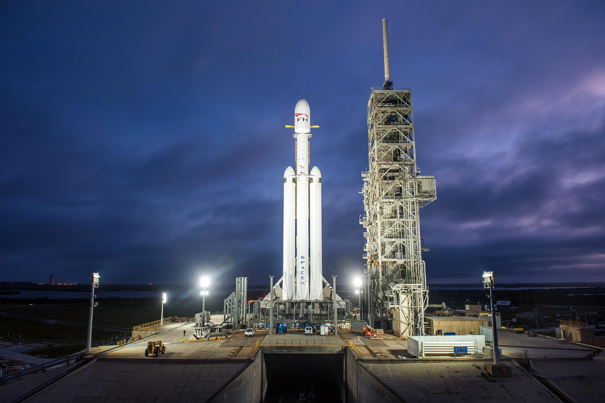 spacex falcon heavy launch today - HD2048×1365