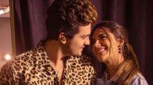 Luan Santana anuncia casamento com Jade Magalhães: '12 anos enrolando'
