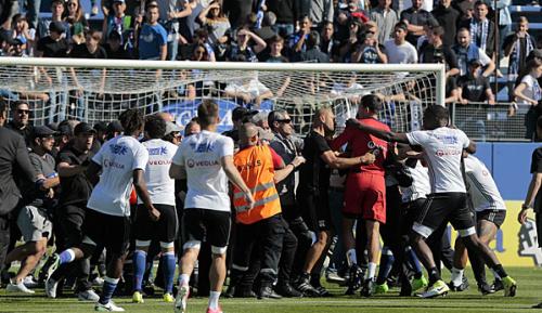 Europa League: Nach Krawallen in Lyon: UEFA will noch Mittwoch ein Urteil verkünden