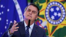 """Bolsonaro insinua que China pode ter criado coronavírus e fala em """"guerra bacteriológica"""""""