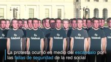 Muñecos de Mark Zuckerberg toman el Capitolio