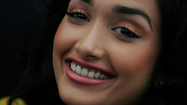 Jiah Khan SUICIDE- Mother Reveals The Whole Story!