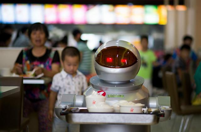 AI writes Yelp reviews that pass for the real thing