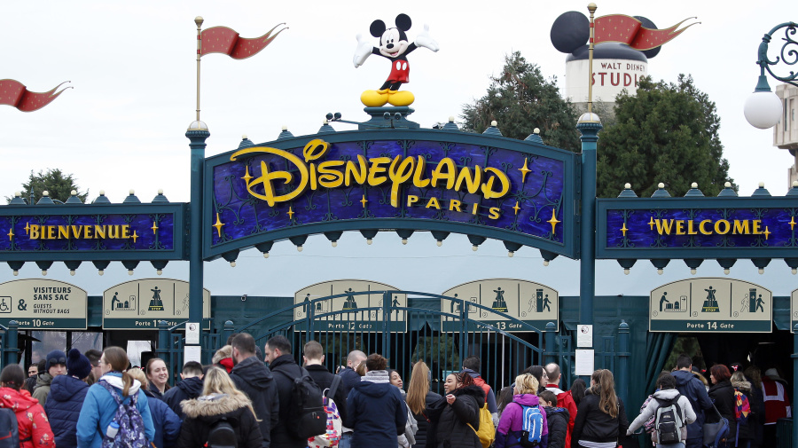Covid-19 : la décision radicale de Disneyland Paris