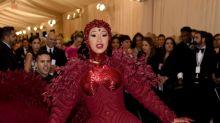 MET Gala 2019: mamilos de rubi de Cardi B custaram quase 2 milhões de reais