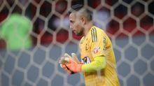 Terceiro caso de Covid-19 em sequência liga o sinal de alerta no Flamengo