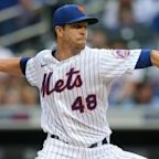 Jacob deGrom takes the mound as Mets face Cubs at 7:10 p.m. on SNY