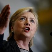 U.S. FBI to give media some Clinton notes over email use: CNN