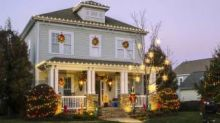 Hack Holiday Lights to Turn On at Dusk, Off at Dawn