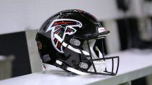 Falcons honor late ESPN reporter Vaughn McClure at his press box seat