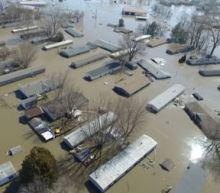 Amid U.S. Midwest flooding, residents in Missouri, Kansas rush to fill sandbags