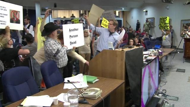 Angry protesters disrupt Albuquerque city council meeting