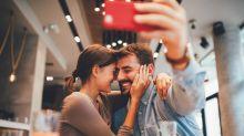 Publicar fotos de tu pareja, ¿fortalece o daña la relación?