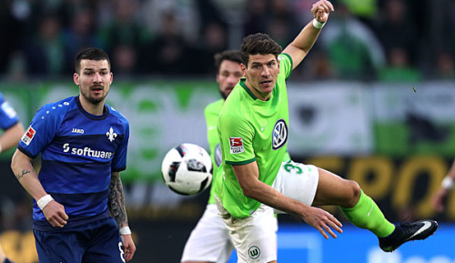 Bundesliga: Gomez trifft, Wolfsburg siegt - und steckt weiter im Keller