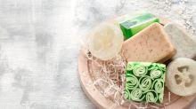 Beneficios y desventajas del champú en barra que promete cuidar el cabello y el ambiente
