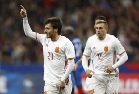 España vence a Francia en amistoso gracias a Deulofeu y a la tecnología
