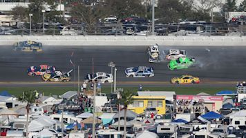 Is front of field the least safe place at Daytona?
