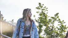 """Paris Jackson luce muy guapa en este look """"hippie""""; mira sus fotos"""