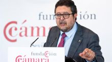 "Serrano insta a usar ""chubasquero"" a los ofendidos por hablar de buscahuesos"