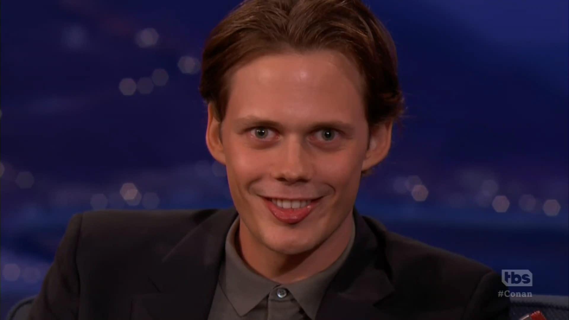 Uu 2017 Uu U >> 'It' star Bill Skarsgård explains creepy clown smile [Video]