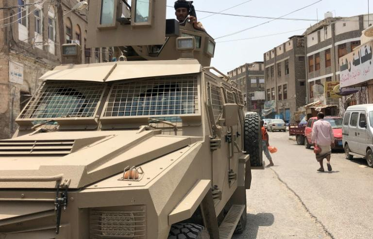 Dozens have been killed in days of fighting between Yemeni separatists and loyalist forces in second city Aden