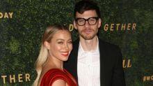 El marido de Hilary Duff se tatúa su nombre en una zona muy íntima
