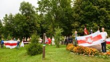 Baltics link arms again in solidarity with Belarus