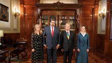 Maduro y su foto con AMLO: cuando no te quieren, pero con que no te lo digan basta