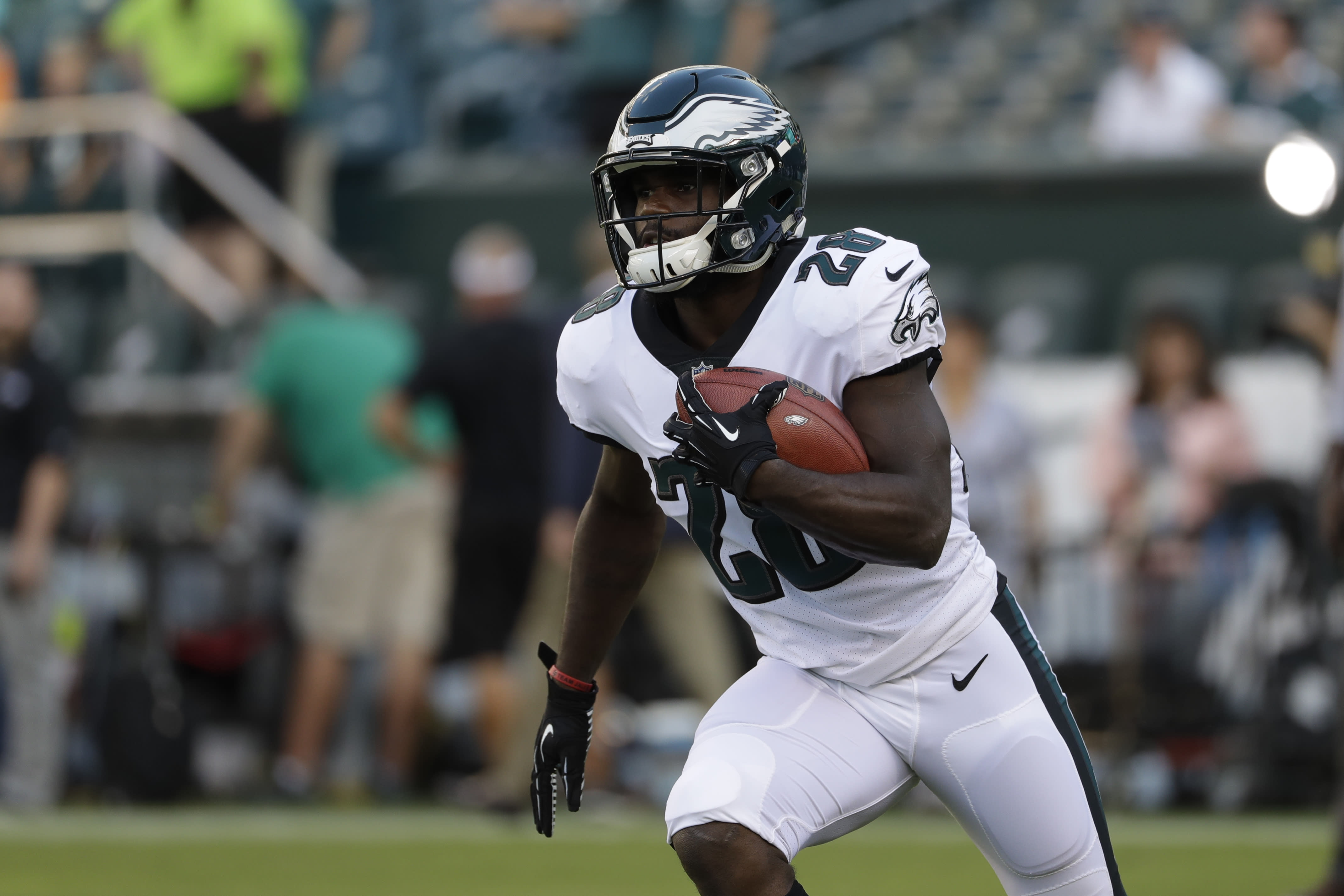 Week 4 fantasy pickups: Smallwood, Shepard highlight adds