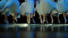 After long hiatus, Rio's ballet dancers return to the stage