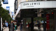 Confianza de los consumidores del mundo se hunde en segundo trimestre: Conference Board