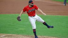 Phillies and many other teams should be interested in newly available Brad Hand