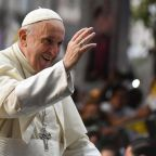Scandals overshadow pope's meetings in Chile