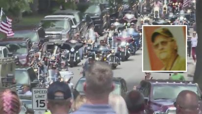 Thousands attend funeral for vet with no family