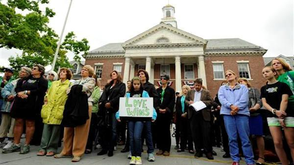 Moment of silence marks 6 months since Newtown shooting
