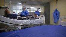 Boletim das 8h: Brasil tem 2.488.452 casos de Covid-19, aponta consórcio de veículos da imprensa