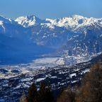 Avalanche engulfs around a dozen people at Swiss ski station
