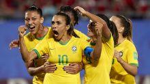 Com gol de Marta, Brasil bate a Itália e se garante nas oitavas