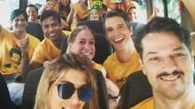 #Verificamos: Foto de atores em van é antiga e não tem relação com Eleição 2018