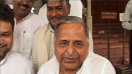 China, India's enemy, not Pak: Mulayam