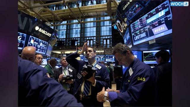 Stocks Fall As Retailers, Economic Data Disappoint